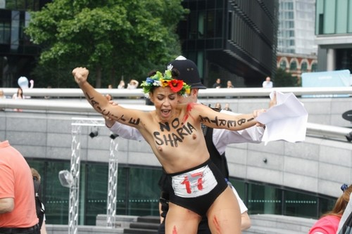 protesto-london-destaque